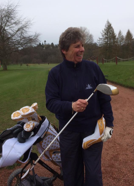 Taff – please note design on golf bag – dog paws not tea pots.